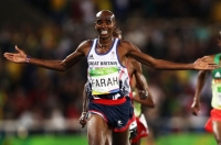 Mo Farah falls and still wins the men's 10,000m gold and makes histor